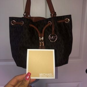 A 300 dollar Michael kors bag